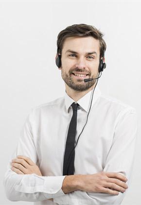اپراتور دستگاه ضبط مکالمات تلفنی